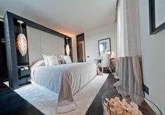 Kelly Hoppen_ pretty bedroom