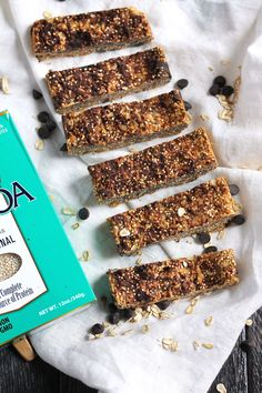 Forget the packed snacks and whip up these INCREDIBLE peanut butter quinoa granola bars for snack time. And you better believe they're part of the Summer Sweat Series! Perfect for dessert too. Healthy Sweets, Healthy Snacks, Healthy Protein, Healthy Kids, Natural Protein, Healthy Breakfasts, Healthy Baking, Eating Healthy, Clean Eating
