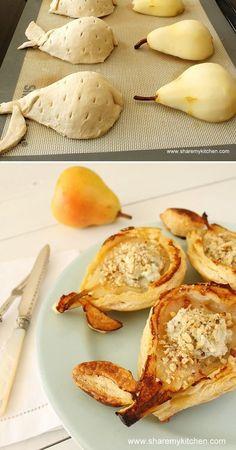 """TESTE ...HYPER SIMPLE ET EN +, UNE TUERIE :-) : Tapisser la feuille de cuisson d'un petit peu de sucre, y déposer les 1/2 poires """"vidées"""", puis sur chaque poire, un """"dé"""" de beurre doux. Recouvrir de pâte (pâte petit suisse, découpée avec un bol). Et cuire. Retourner la poire quand elle est tiède. Laisser refroidir. Ajouter une petite boule de glace à la vanille, du sirop d'érable, et du pralin concassé.:"""