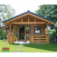 Schilkee, 400 x 500 cm Bamboo House Design, Simple House Design, House Front Design, Tiny House Design, Bungalow Haus Design, Modern Bungalow House, Cottage Style House Plans, Hut House, Tiny House Cabin