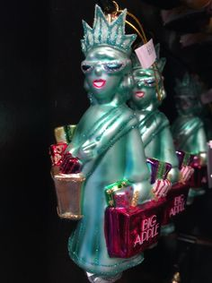 It's the season: Lady Liberty does her holiday shopping in style.
