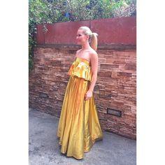 Guapísima @soraya82 con vestido  oro hoy en el estreno de Cámbiame en telecinco. #sorayaarnelas #juanpedrolopez #golddress #gold #fashion #fashiondesigner #cambiame #madeinbarcelona Barcelona, Strapless Dress Formal, Formal Dresses, Instagram Posts, Fashion, Dress, Gold, Moda, Formal Gowns