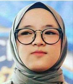 Beautiful Hijab, Desktop, Geek Stuff, Glasses, Polaroid, Bts, Women, Gift, People