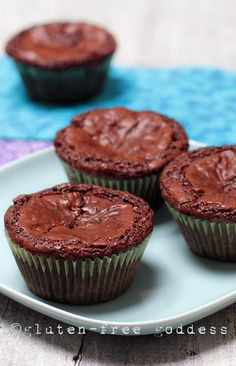 Fudgy Gluten-Free brownie Cupcakes- these taste like little flourless chocolate cakes- drizzle with chocolate syrup, and  add a scoop of peppermint ice cream #glutenfree