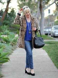 une femme d'un certain âge | Leopard Remix, Take Two