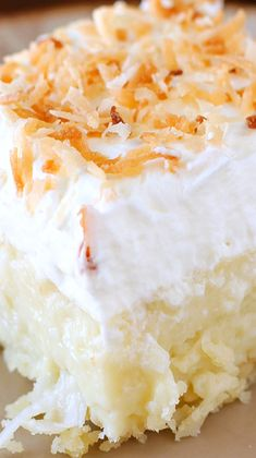 Cream Pie Bars Coconut Cream Pie Bars ~ They are HEAVENLY! Creamy Coconut, a Cloud of Whipped Cream, and a Buttery Shortbread Crust.Coconut Cream Pie Bars ~ They are HEAVENLY! Creamy Coconut, a Cloud of Whipped Cream, and a Buttery Shortbread Crust. 13 Desserts, Coconut Desserts, Coconut Recipes, Coconut Poke Cakes, Lemon Poke Cakes, Coconut Cupcakes, Plated Desserts, Bon Dessert, Dessert Bars