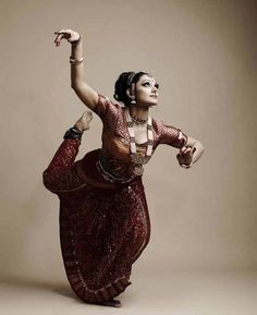 Shobhana:)what a woman!!!!-so very classy-no other term i can find for her..!no one can replace her..