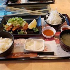 """桃園空港から成田へ帰国前にとんかつのさぼてんへ。 日本と変わらないクオリティで安定の美味しさでした(^^) 타오위안공항에서 나리타에 돌아가기 전에 돈가츠의 """"사보텐""""에. 일본에서 먹을 돈카츠와 같은 맛.너무 맛있었어요(^^) #成田 #台湾 #台北 #桃園空港 #とんかつ #さぼてん #豚肉 #肉 #美味しゅうございました #グルメ #나리타 #대만 #타이페이 #타오위안공항 #돈카츠 #돈까스 #고기 #존맛 #개맛 #맛집 #먹방 #먹스타그램 #맛스타그램"""