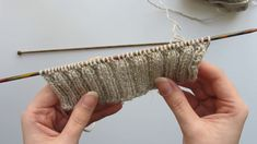 How to Knit the Alternating Cable Cast-On for 2x2 Ribbing