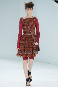 See all the Collection photos from Chanel Autumn/Winter 2014 Couture now on British Vogue Couture Mode, Style Couture, Couture Fashion, Runway Fashion, Chanel Couture, Only Fashion, Fashion Week, Fashion Show, Fashion Looks