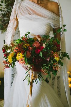 fall wedding bouquet, photo by Amber Vickery Photography http://ruffledblog.com/elegant-fall-wedding-ideas-from-texas #bouquets #weddingbouquet
