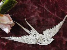 Delicate c1900 Antique 3 D Cantu Bobbin Lace Swallow Tiny Bird Figural Dolls | eBay