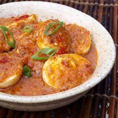 Indonesian Spicy Eggs Sambal goreng tehlor... Francis.... groetjes Mamma