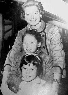 Deborah Kerr and her 2 daughters Francesca (bottom) and Melanie (upper) - ca 1957