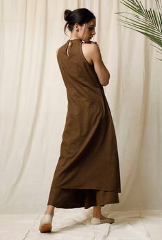 Buy Set of Mehendi Halter Neck Kurta & Cotton Culottes Online Dress Indian Style, Indian Wear, Indian Outfits, Indian Gowns, Khadi Kurta, Kurta Cotton, Pakistani Fashion Casual, Pakistani Dress Design, Indian Maternity Wear