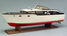 Chris Craft battery operated boat, wooden kit-built model, possibly a Chris Craft 42', Corvette Kit B-15M by Sterling Models