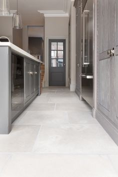 How we chose the Brampton Limestone floor tile for the Spenlow Kitchen in the Humphrey Munson St. Stone Kitchen Floor, Grey Kitchen Tiles, White Kitchen Floor, Kitchen Design, Hall Flooring, Limestone Flooring, Kitchen Flooring, Large White Tiles, Large Floor Tiles