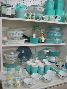 Aqua Pyrex, Light Blue Pyrex-These I would collect but there are so many others. I'd really would have to love the colors to collect.