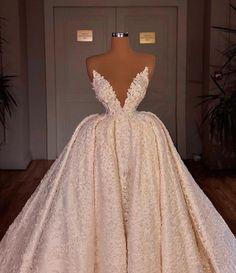 Extravagant Wedding Dresses, Dream Wedding Dresses, Elegant Dresses, Pretty Dresses, Beautiful Dresses, Wedding Gowns, Designer Evening Gowns, Ball Gowns Evening, Ball Gowns Prom