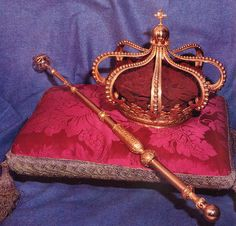 Coroa e ceptro da Rainha Senhora Dona Maria Pia de Sabóia