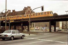 am Halleschen Tor. Underground Tube, Public, West Berlin, S Bahn, Busse, Trains, Street View, Mood, Freiburg