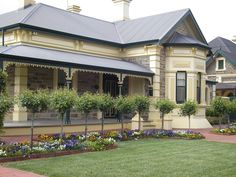 Federation style home builders australia Australia House, Australia Living, South Australia, Exterior Color Schemes, Exterior Design, Beautiful Buildings, Beautiful Homes, Southern Style Homes, Victorian Style Homes
