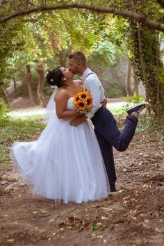 #ticcibride #ticcimenyasszony #menyasszonyiruha #ticcibride #bridedress #wedding #realwedding #thankyoucustomers Rockabilly Outfits, Facebook Sign Up, Dress, Wedding, Clothes, Rockabilly Clothing, Valentines Day Weddings, Outfits, Dresses