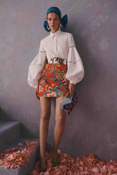 Carolina Herrera Resort 2020 Kollektion – Vogue For other models, you can visit … Fashion Weeks, Fashion 2020, Runway Fashion, Fashion Outfits, Fashion Trends, London Fashion, Cruise Fashion, Ski Fashion, Jeans Fashion