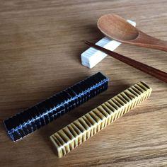 いいね!1,584件、コメント19件 ― Haruya Abe 阿部春弥さん(@abe_haruya)のInstagramアカウント: 「・ しのぎナイフフォークレスト ・ なのに、載っているのは箸とスプーン。 ・ Knife & folk rest. I can also put chopsticks. ・ #ナイフフォークレスト…」