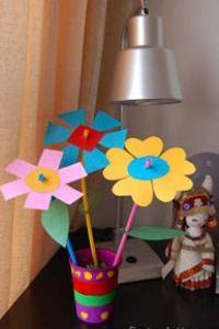 Como hacer flores de cartulina con diversas formas | Todo Manualidades