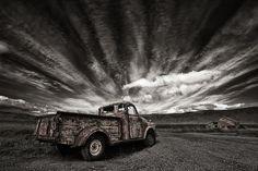 500px / Photo Old Truck (mono) by Þorsteinn H Ingibergsson