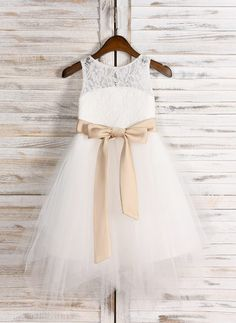 iGirldress Little Girls Doux French Lace /& Ruffle Gown