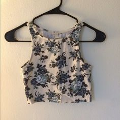 Floral Racerback Crop Only worn a couple of times, in perfect condition! Fits more like an XS. Forever 21 Tops Crop Tops