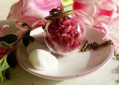 Collares y gargantillas - Collar con flores secas rosa - hecho a mano por byCamilla en DaWanda