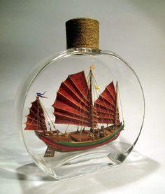 Boat In A Bottle, Ship In Bottle, Pirate Ship Wheel, Flying Ship, Wine Bottle Art, Modelista, Boat Painting, Miniature Crafts, Unusual Things