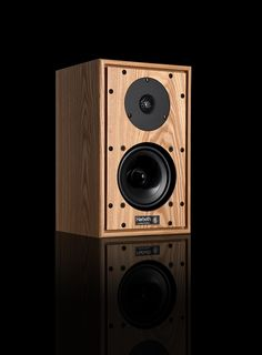 Harbeth design and manufacture high quality loudspeakers for home hi-fi, broadcast, audio post-production, dubbing and radio studio use. Hifi Speakers, Bookshelf Speakers, Audio Post Production, Thursday Motivation, 40th Anniversary, Loudspeaker, Bristol, Compact, Ears
