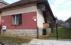 Fotka #1: Vidiecky dom v obci Prihradzany, okr. Revúca