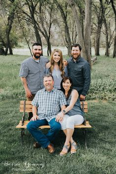How To Take Large Family Portraits Copperopolis Family Portraits by Bessie Young Photography Adult Family Pictures, Adult Family Poses, Blended Family Pictures, Big Family Photos, Winter Family Photos, My Family Photo, Family Picture Poses, Family Photo Sessions, Family Posing