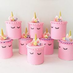 How gorgeous are these unicorn cake tins… hope they're full of unicorn cookies! Birthday Souvenir, Unicorn Themed Birthday Party, 1st Birthday Parties, Girl Birthday Decorations, Unicorn Cookies, Unicorn Crafts, Baby Sewing Projects, Childrens Party, Crafts For Kids