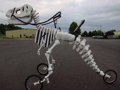 恐竜の化石型自転車「T-Rex Art Bike」