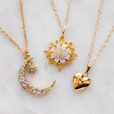 Mode des années 80 / 90 : You are my sun my moon my star Stylish Jewelry, Cute Jewelry, Jewelry Box, Jewelry Accessories, Fashion Accessories, Fashion Jewelry, Jewelry Design, Gold Jewelry, Jewlery