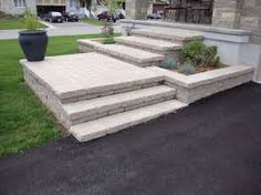 "Képtalálat a következőre: ""interlock steps"" Landscape Bricks, House Landscape, Landscape Design, Front Porch Steps, Front Walkway, Front House Landscaping, Outdoor Landscaping, Landscaping Ideas, Stone Porches"