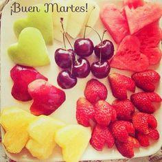 ¿Un poco de fruta para desayunar? ¡Buenos días!   #ideassoneventos #blog #bloglovin #organizacióndeventos #comunicación #protocolo #imagenpersonal #bienestarybelleza #decoración #inspiración #bodas #buenosdías #goodmorning #tuesday #martes #happy #happyday #felizdía #desayuno #breakfast #donuts #ricorico #ñamñam #fruta #fruit #healthy #healthyfood #instafood #instahealth