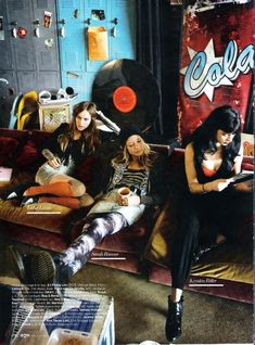 scans from an editorial from April issue of ELLE US. It's an editoral styled by Erin Wasson where she focuses on early 90s grunge and is very Empire Records(the movie) inspired.