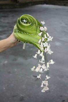 Bouquet designed by Laura Belabrovik-Sadovskaya. Ikebana, Deco Floral, Arte Floral, Bride Bouquets, Floral Bouquets, Fresh Flowers, Beautiful Flowers, Beautiful Bride, International Florist