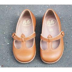 .little shoes.           t