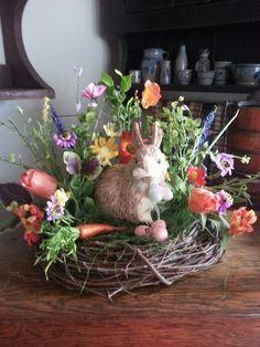 100 beste DIY Ostern Mittelstücke - Like. Easter Flower Arrangements, Easter Flowers, Floral Arrangements, Hoppy Easter, Easter Eggs, Easter Table, Easter Bunny, Easter Dinner, Easter Crafts