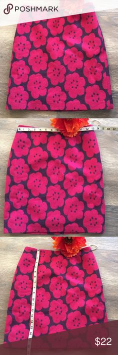 Boden Mod Floral Pattern Skirt Size 2 Fun mod floral print of pink bold flowers on a deep purple background. Boden Skirts