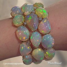 Opal bracelet | opal jewelry | There's nothing ugly about opal.  So pretty!