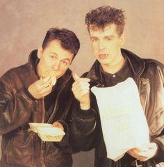 Ladies and gentlemen....the Pet Shop Boys -www.vinuesavallasycercados.com
